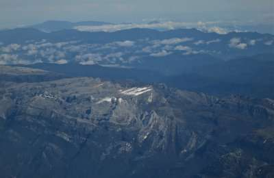 6 Nov View of Carstensz from plane Mike Roberts